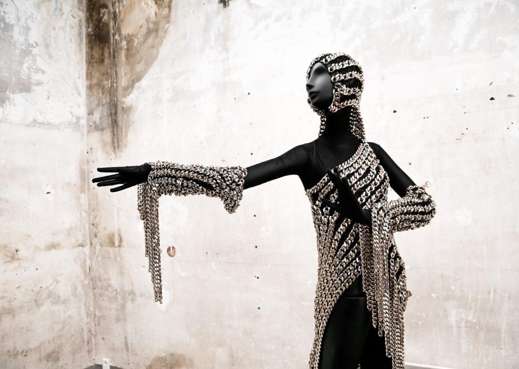 BONAVERI携手设计师ANDREA BROCCA共同亮相巴黎高级定制时装周
